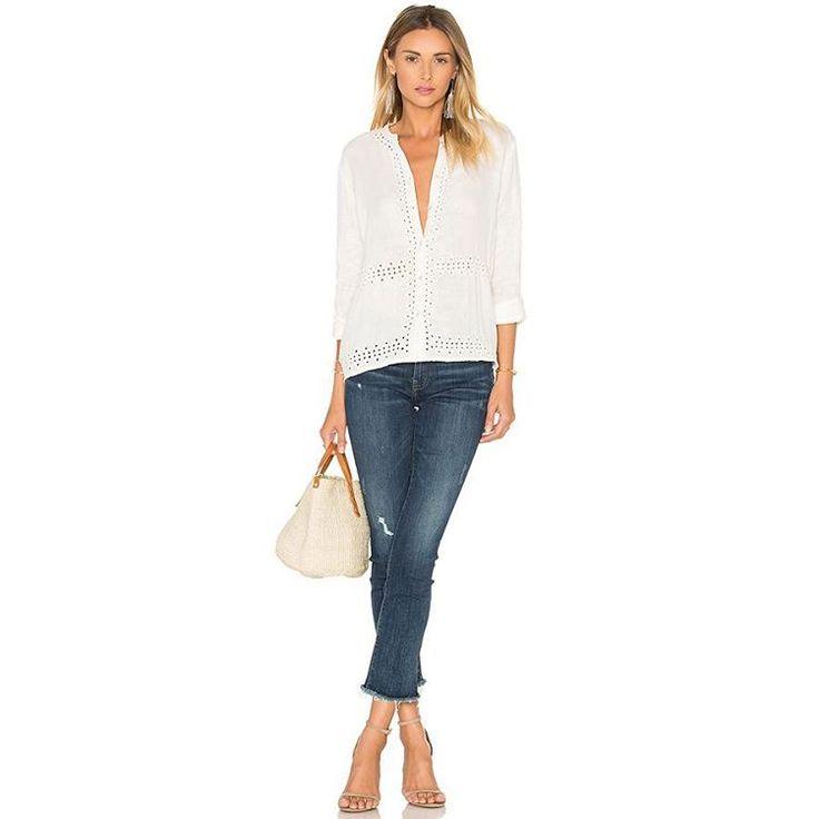 Это, пожалуй, одна из наших самых любимых пар в этом сезоне. Ультрамодный прямой укороченный силуэт и очаровательная бахрома делают эти джинсы идеальными союзниками в создании ярких весенних образов, легко сочетаясь с любой обувью, от комфортных кедов и балеток, до вечерних туфлей на высоком каблуке.  #spring #fashion #outfitidea: #stylish & #trendy #DL1961#jeans helps to create #chic #outfit #мода #стиль #тренды #футболки #джинсы #модно #стильно #новаяколлекция #киев