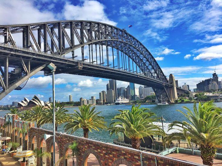 #sydney #sydneyharbour #colour #sydneyharbourbridge #aqua #australia #ladsthatlunch #saturdays #bestcityintheworld by simo_nk http://ift.tt/1NRMbNv