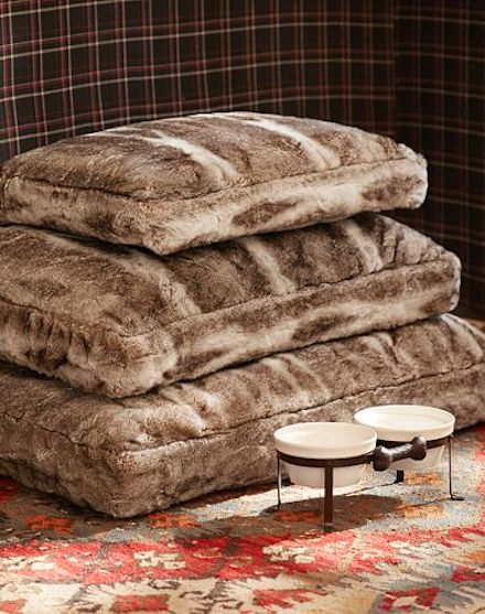 faux fur dog bed cover http://rstyle.me/n/utx7dr9te