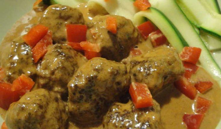 I receptet används husk/fiberhusk i stället för ströbröd. Husk är pulveriserade psylliumfrön som innehåller 0 gram kolhydrater.