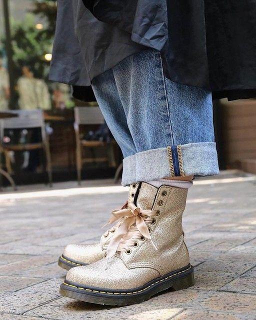958a4803675f DR MARTENS 1460 Pascal Fine Glitter | looks | Dr martens boots, Dr martens  outfit, Dr martens style