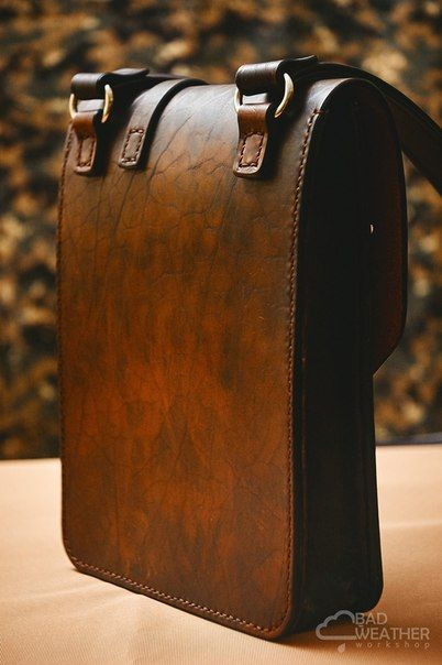 BAD WEATHER WORKSHOP handmade leathercraft