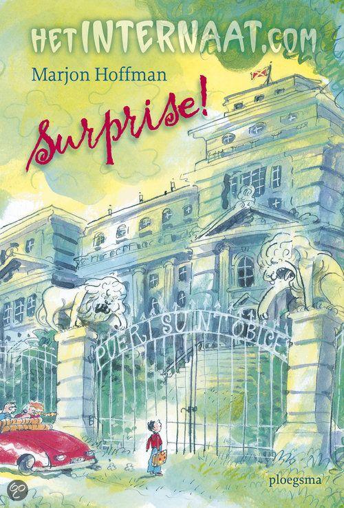 Lees hier ideeën mini leeslessen bij het boek het internaat.com Surprise! door Marjon Hoffman. Eenhilarischboekover Max die terecht komt in een internaat