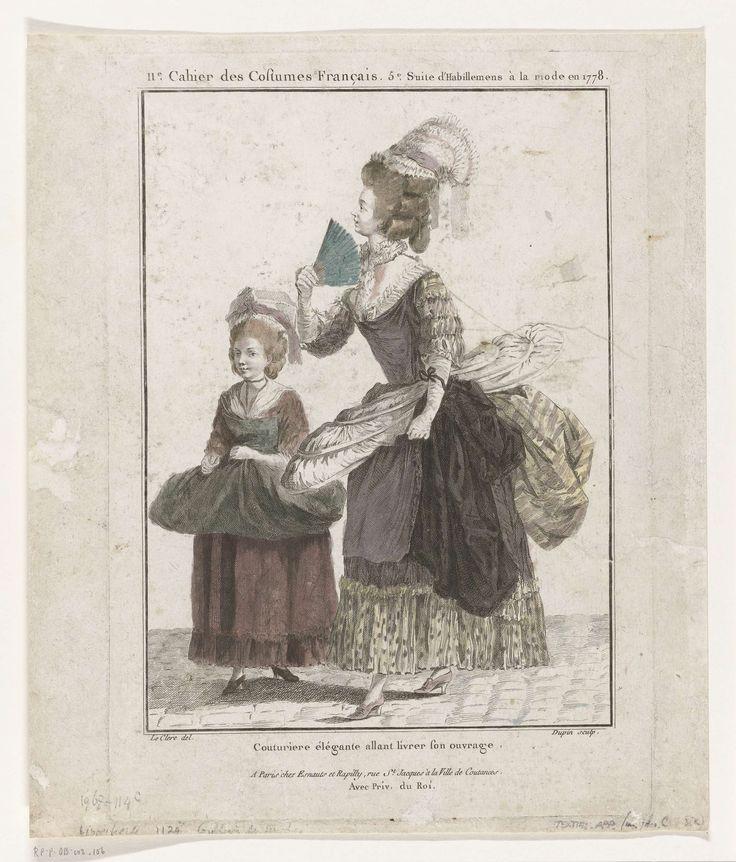 Nicolas Dupin   Gallerie des Modes et Costumes Français, 1778, L 61 : Couturiere élégante allant livrer son ouvrage, Nicolas Dupin, Esnauts & Rapilly, 1778   Naaister en meisje lopend op straat om naaiwerk af te leveren. De vrouw draagt een 'robe à la Polonaise' waarop over het lijf en de rok een schort is gespeld, langs de hals, zoom en mouwen afgezet met gerimpelde stroken van contrasterende stof. Om de hals een gerimpelde halsdoek. Op het opgekapte haar een muts met lint en twee slippen…