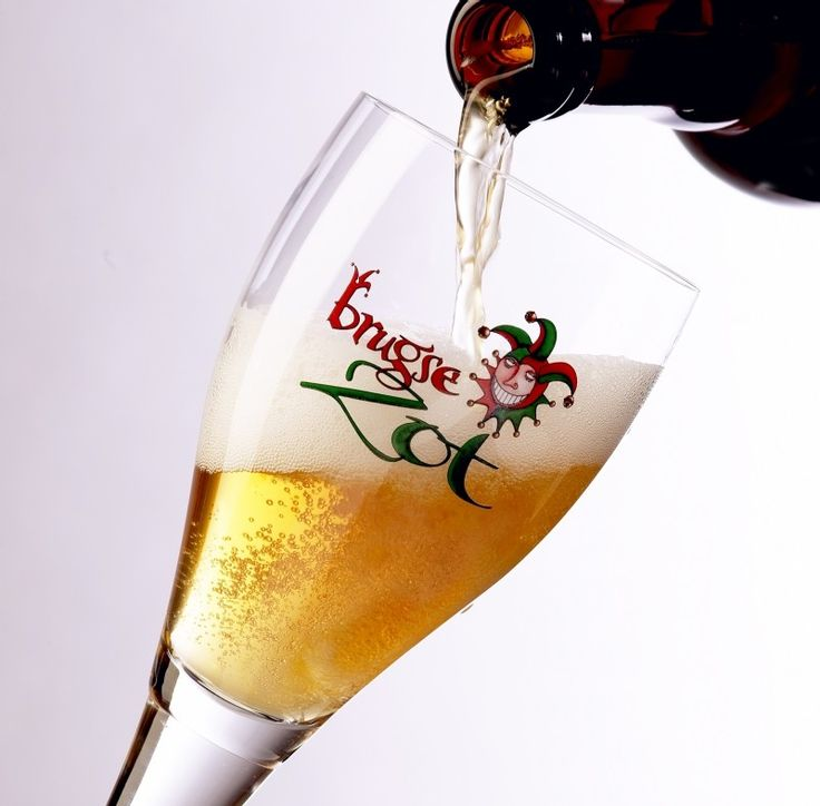 #Belgian beer includes the most diverse national collection of quality #beer in the world and varies from the popular pale lager over fruit beers to trappist beers. #Bruges has its own local beers, such Brugse Zot, Straffe Hendrik, Brugs Tarwebier. Do you want to taste them?  http://www.hotelnavarra.com/en/info/1423/Beer-package.html