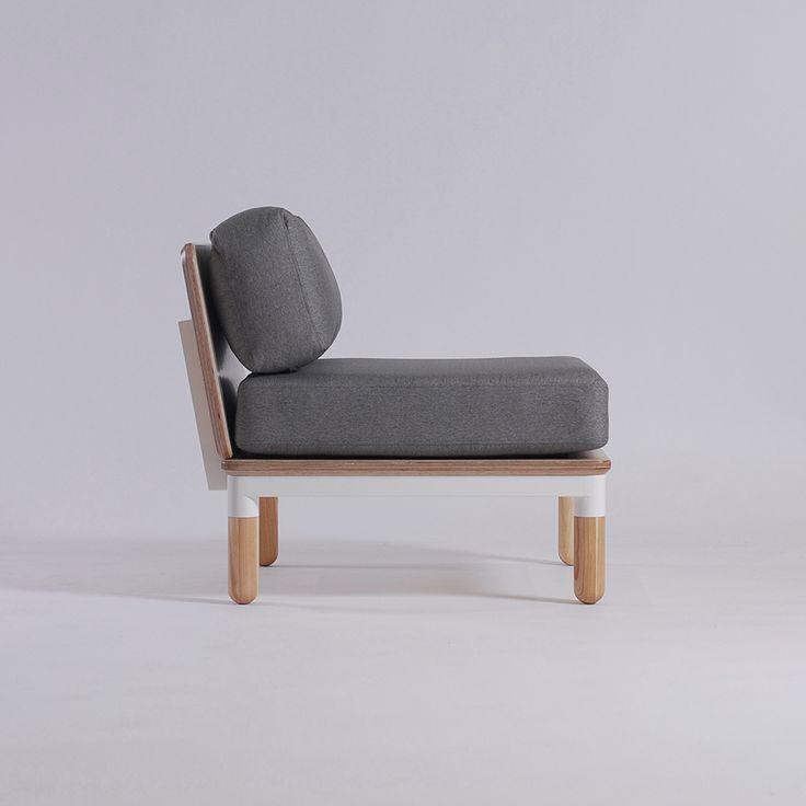 R4 chair by Ukrainian design bureau ODESD2. Designer: Valentyn Luzan.