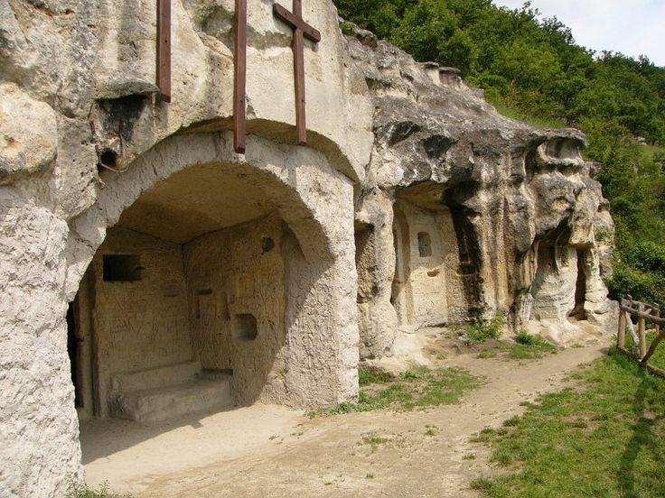 Matraverebely - Szentkut - remetebarlangok-2.JPG