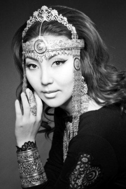 Наталья Яковлева (Далаана) - якутская певица. фото. Yakutia