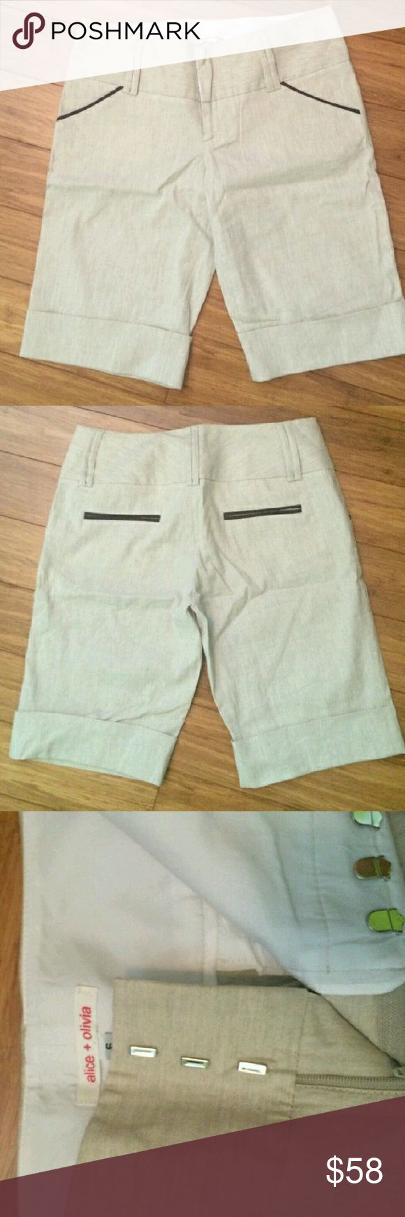 Alice + Olivia Bermuda beige shorts Beige shorts with cuffs. Linen material. Perfect condition Alice + Olivia Shorts Bermudas
