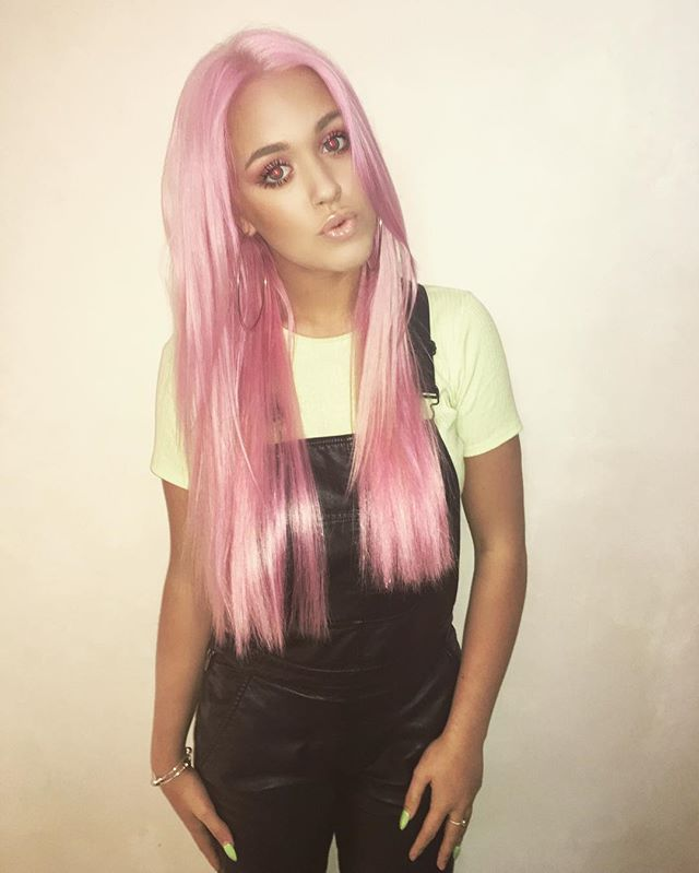 STYLE CRUSH: LOTTIE TOMLINSON