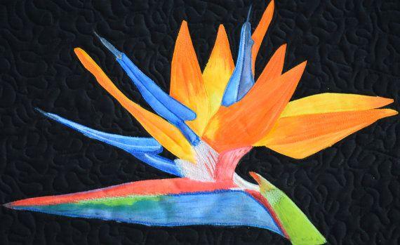 Trapunta di arte di uccello del paradiso.  Dipinto a mano.  Pittura del filetto.  FreeMotion trapuntato.  Applique bordo grezzo.