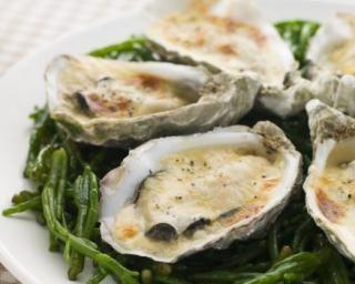 Huîtres à la sauce Mornay : http://www.fourchette-et-bikini.fr/recettes/recettes-minceur/huitres-la-sauce-mornay.html