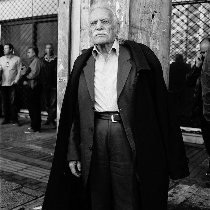 """Μανώλης Γλέζος: """"Ζητώ συγνώμη από τον ελληνικό λαό διότι συνήργησα σ΄αυτή την ψευδαίσθηση"""""""