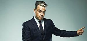 "METRO - ""Swings both ways"" : Robbie Williams entre dans l'histoire de la musique britannique"