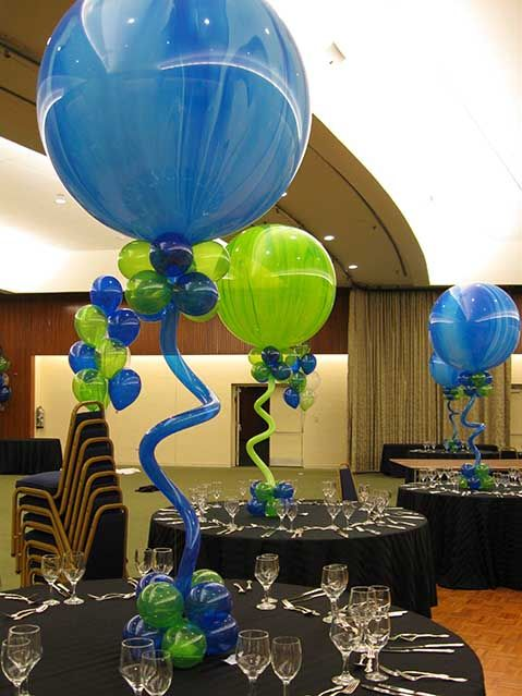 Blue and green-like this! but not the base of balloons