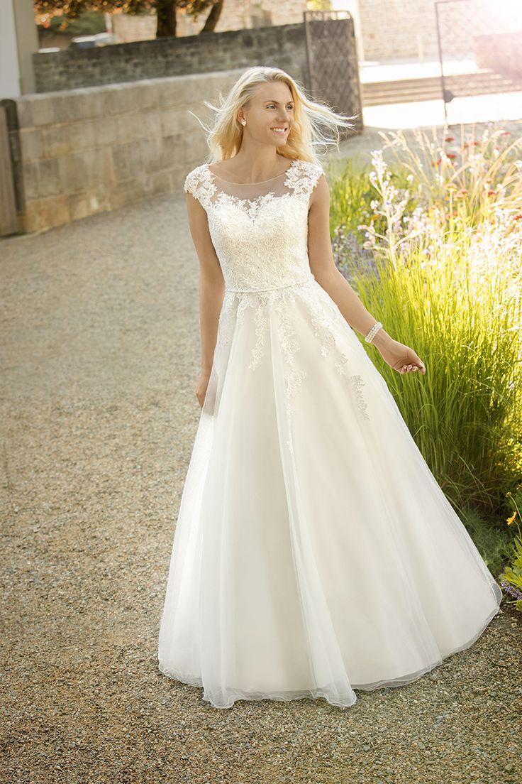 Cinderella Style Wedding Dresses