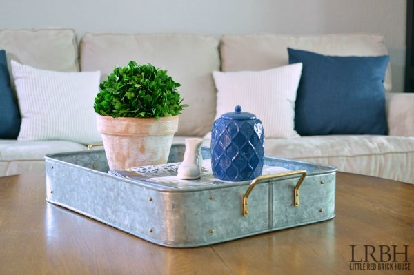 SO pretty! Take your decor from boring to beautiful with a pop of color. It makes such a difference!