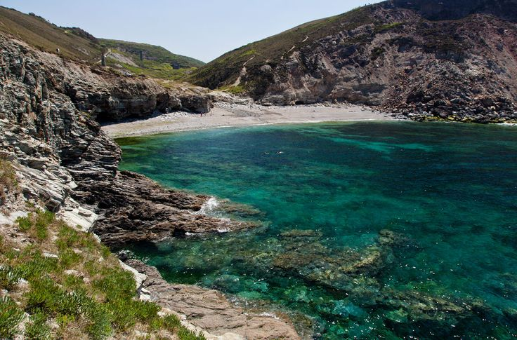 Trevellas Porth Cove, St Agnes - Cornwall Guide Photos