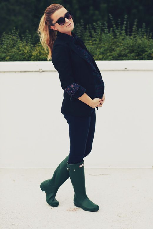 ombre hairPregnant Idwearthat, Hunter Boots, Maternity Fashion Legs, Prego Outfit, Fall Pregnancy, Hunters Boots, Pregnant Fashion Winter, Maternity Style, Pregnancy Outfit