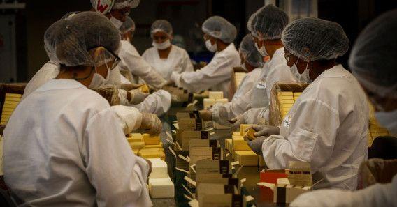 Por dentro da fabrica de sabonetes da Natura
