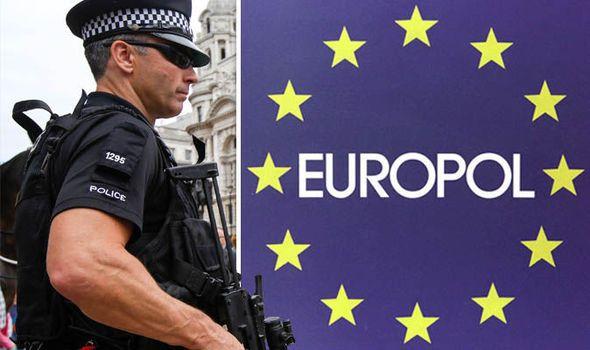Os responsáveis pela aplicação da lei no Reino Unido e na Espanha, liderados pela Europol