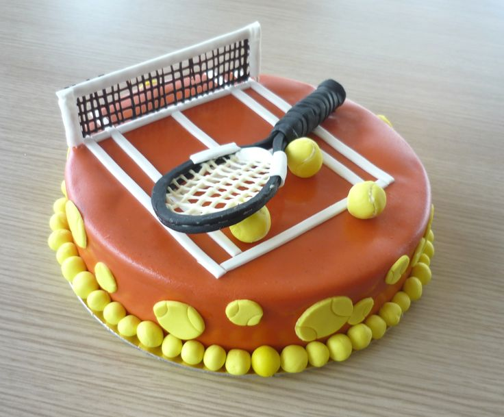 Gâteau en forme de terrain de tennis !                                                                                                                                                      Plus