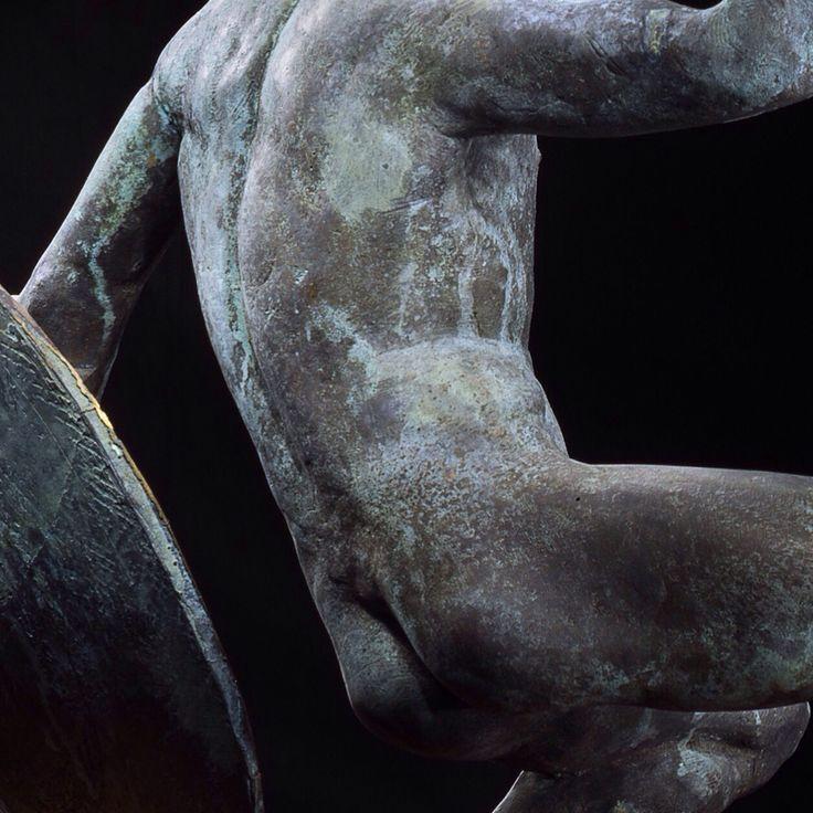Teterin bronze sculpture details