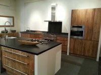 Djati Badkamers & Keukens Zelf uw keuken van teakhout  samenstellen met de beste materialen.