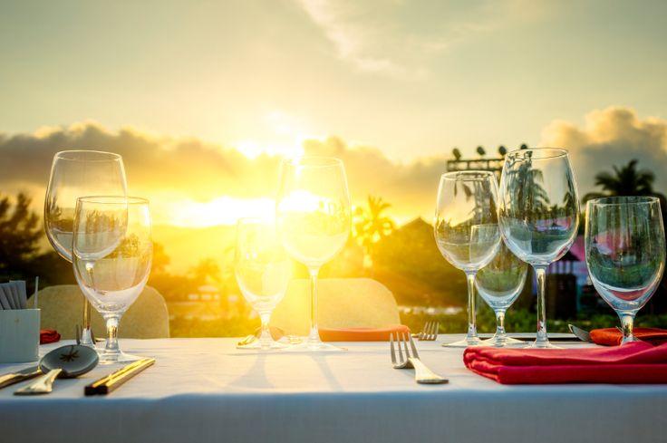 3 trendy ideeën om je tafel te dekken in zomerse stijl