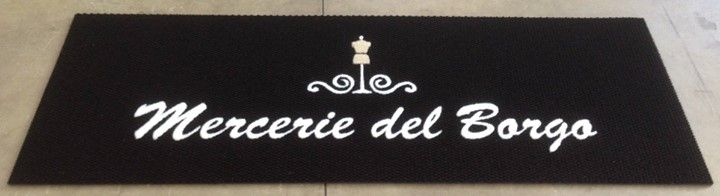 Sono i dettagli a fare la differenza...    Locali rinnovati per i nostri amici delle Merceriedelborgo Lucca che vi aspettano per conoscere tutte le novità!  www.gltzerbini.it #fattoconilcuore #GLTzerbiniLUCCA #tappetipersonalizzati #dettagli #merceriedelborgolucca #merceria #handmade  #madeinitaly