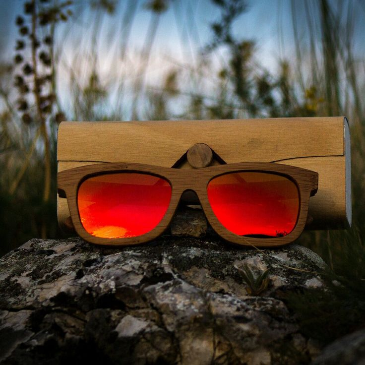 Oh well, do we love the sunset and do we love plants and do we love awesome bamboo sunglasses. 😎💚🌱