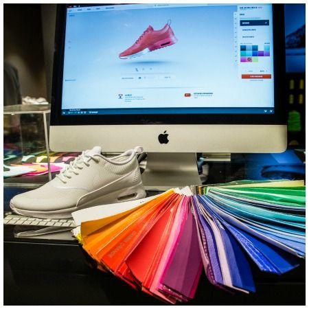 Jetzt gibt`s auch die super coolen Nike Air Max Thea als iD`s und wir durften sie vor Ort unter die Lupe nehmen und selbst ein Paar gestalten.  Werde auch du zum Schuh-Designer! #nike #nikeid #sneaker