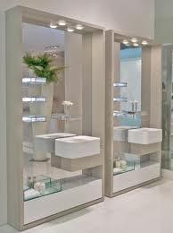 El espejo o espejos es uno de los accesorios más importantes y elegir el adecuado puede ser todo un desafío. ¿Cuál es el que más te gusta para tú baño?. Nosotros te lo podemos hacer a la medida que necesites