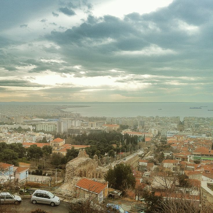 One of the best viewpoints of the city is below the Trigonion Tower. Walking Thessaloniki app, Route 09 - Upper Town A (Download for FREE) #travel #guide #Greece #Citywall #Byzantine #sky #iPhone #view