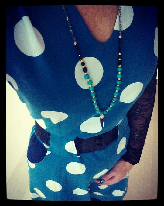 Lovely dotted jersey Christel dress from Weiz Copenhagen, styled with at Waist belt and a statement necklace.