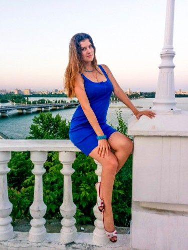 Наталья А я сижу на берегу в синем платье, Пейзажа краше не могу пожелать я.