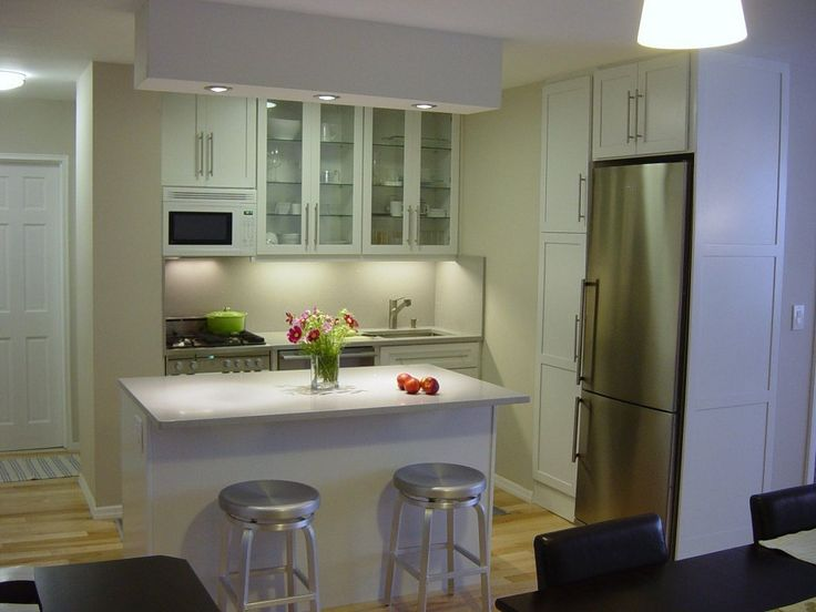 Richard's Bright, Well-Lit Kitchen | Small Cool Kitchens 2011 | Apartment Therapy