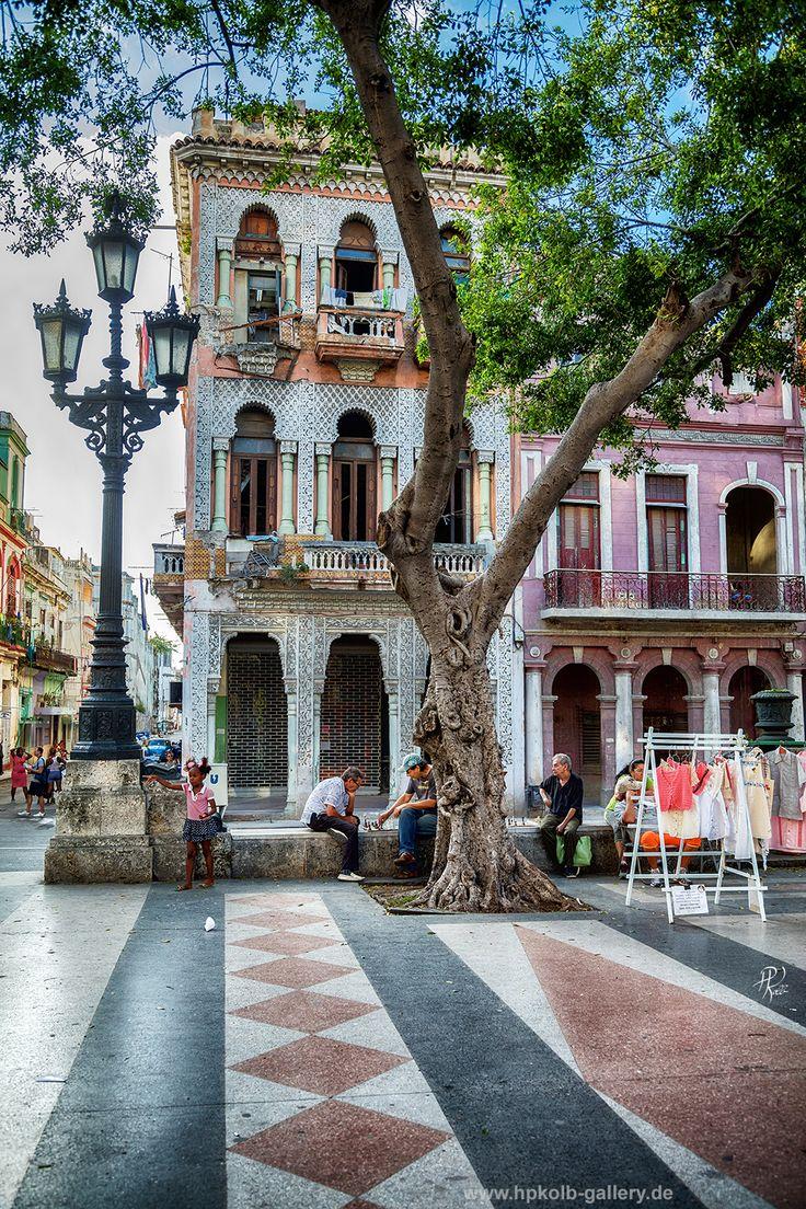 Paseo del Prado, Havanna, Cuba Alle Kuba-Bilder gibt es als Fototapete, Fotodruck, Leinwand und Acrylbild zu kaufen. www.hpkolb-gallery.de