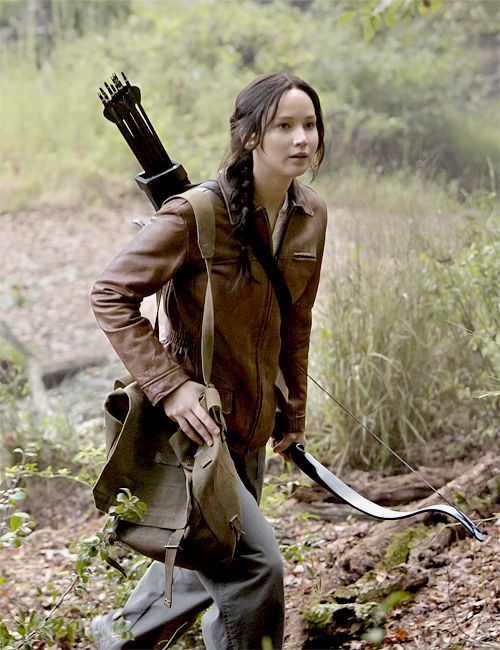 New still of Katniss
