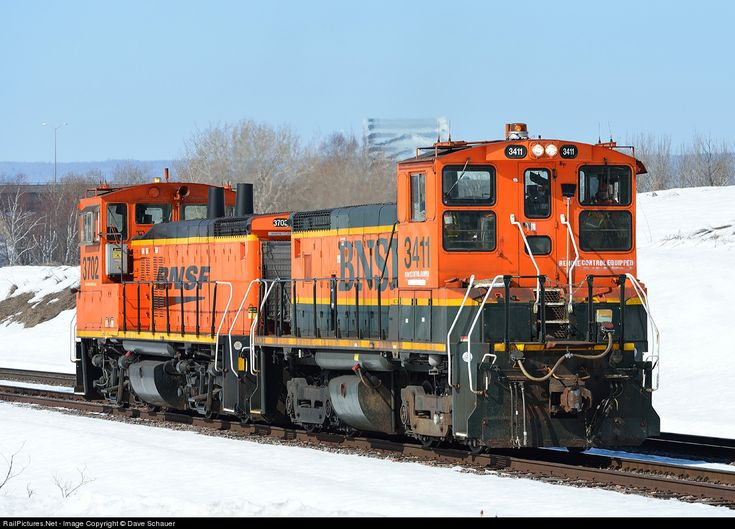 RailPictures.Net Photo: BNSF 3411 Burlington Northern Santa Fe EMD SW1500 at Superior, Wisconsin by Dave Schauer