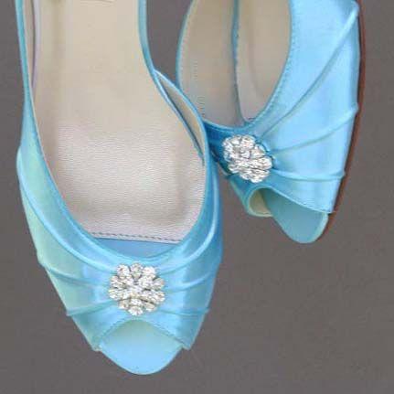 Pool-Blue-Wedding-Shoes-Low-Heel-Kitten-Heel-Crystal-Brooch-Toe-Custom-Design (5)