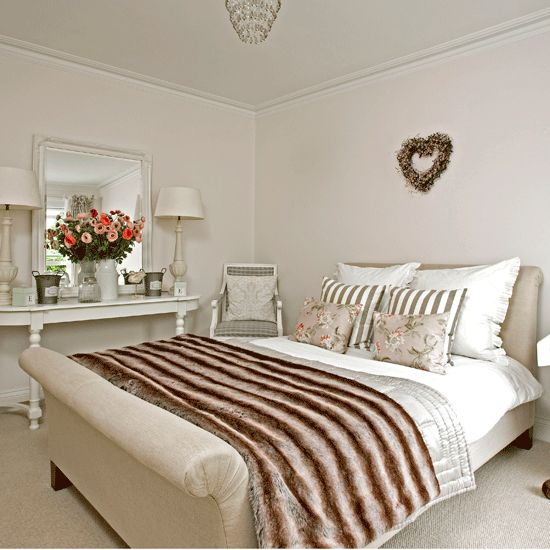 french style bedroom cosy bedroom ideas sleigh bed housetohomeco - Bedroom Ideas Uk