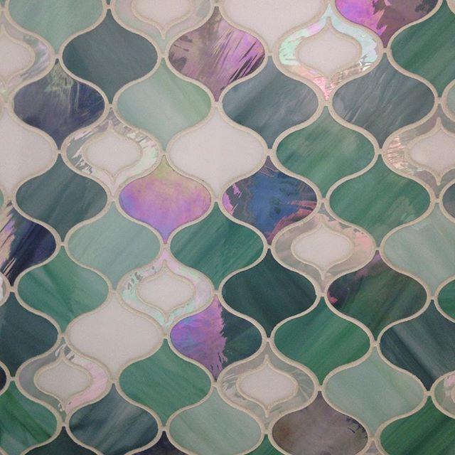 This one always makes me think of the Little Mermaid ~ #enchanting #girlsroom #salon #spa #glasstile #tiles #interiordesign #interiors #decor #surfacedesign #artglass #tuile #powderroom #artisan #iridescent