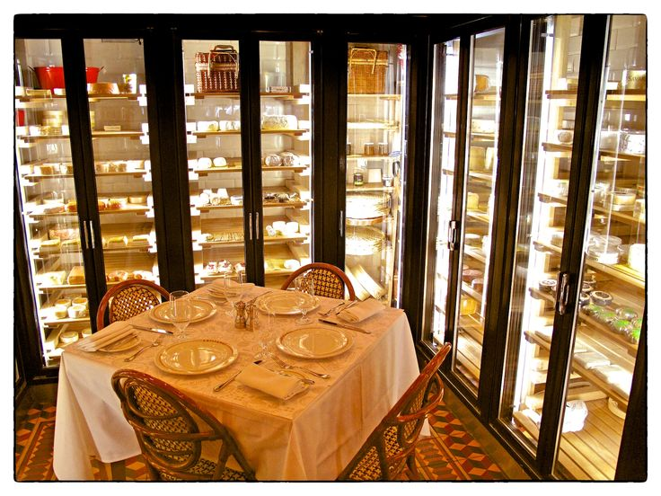 Artisanal Bistro in NYC, for cheese lovers...