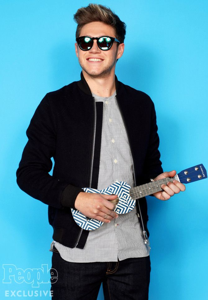 Can't imagine.That smile,sunglasses,holding a ukelele,natural hair wow!But the true heart makes me speechless.I love ya Niall.