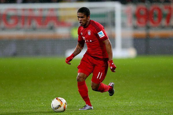 Douglas Costa Photos - FC Augsburg v FC Bayern Muenchen - Bundesliga - Zimbio