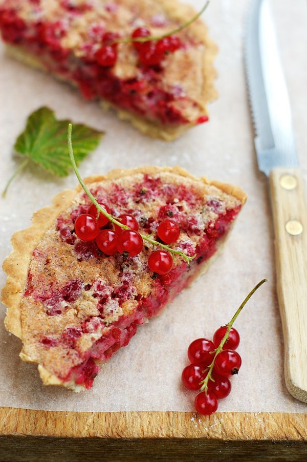 la tartine gourmande - food & drink - food - dessert - red currant almond tartlets