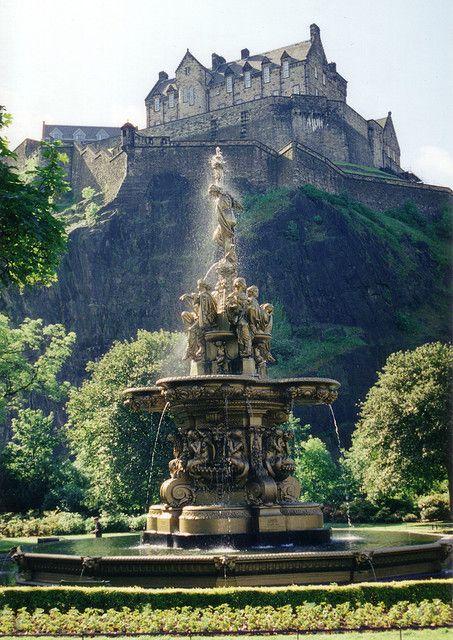 Edinburgh Castle as seen from Princes Street Gardens, Scotland (by Venvierra).