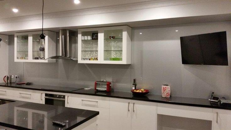 The 25 best stainless steel kitchen splashbacks ideas on for Cheap kitchen splashback ideas