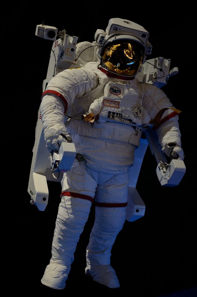 MMU Astronaut - Pics about space